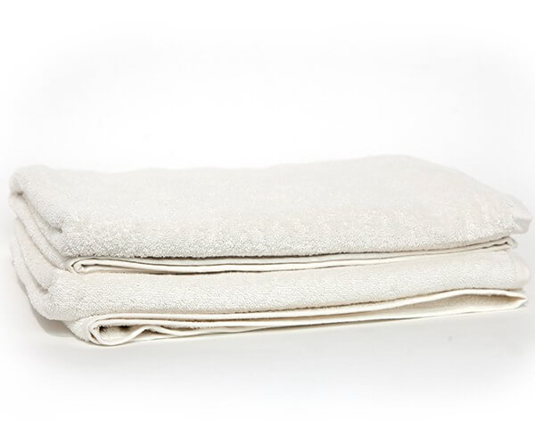 2 Cream Bath Towels